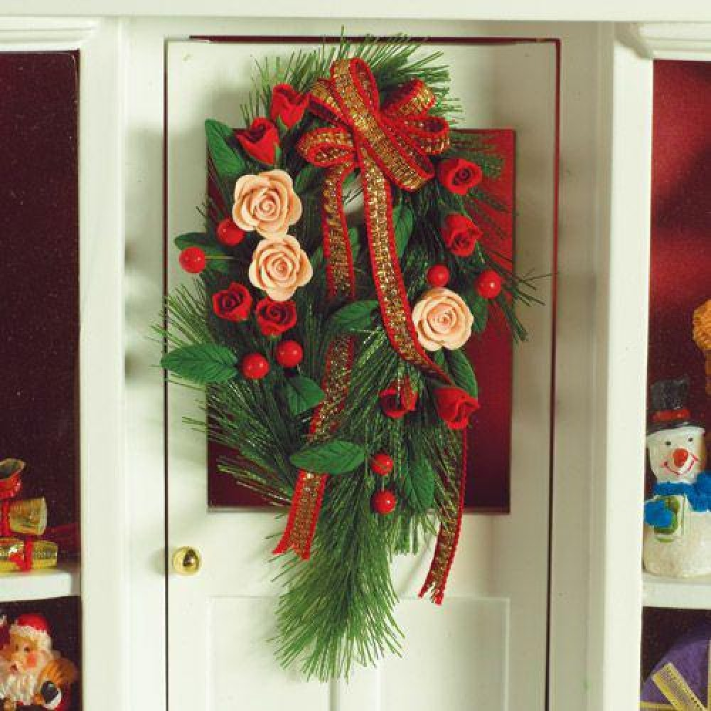 The Dolls House Emporium Hanging Christmas Garland