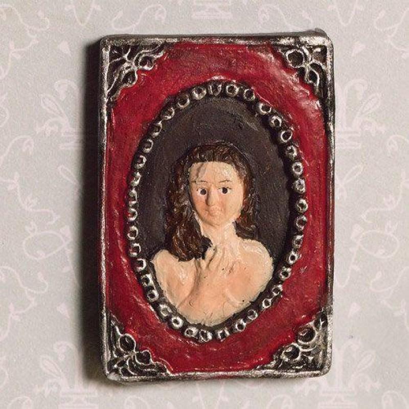 Ladys Framed Portrait (PR)