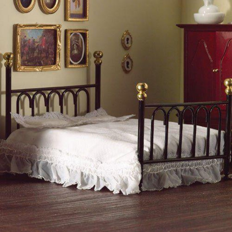 Black Cast Iron Double Bed & Covers