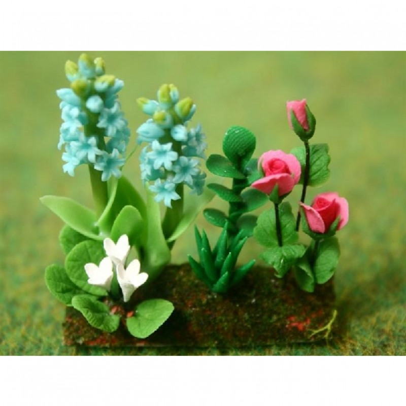 Roses and Hyacinth in Earth