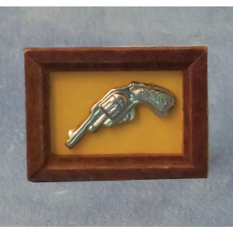 Babettes Miniaturen Gun in Frame