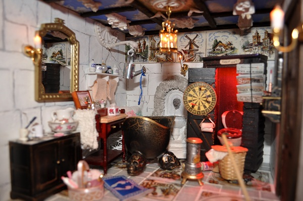 Castle Wizard's Tower Bathroom - Tony Middleton's Cumberland Castle: The Dolls House Emporium