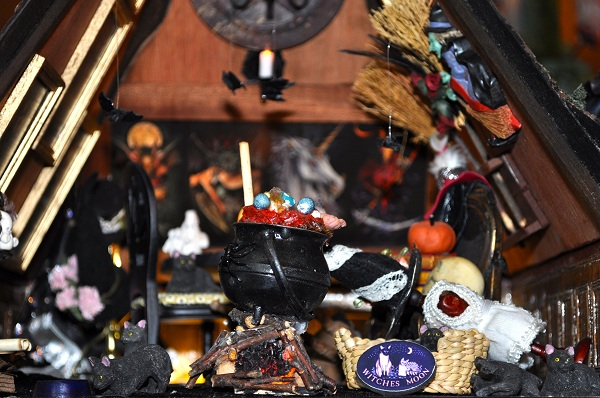 Witch's Room - Tony Middleton's Cumberland Castle: The Dolls House Emporium