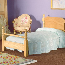 2566Victorian Pine Single Bed