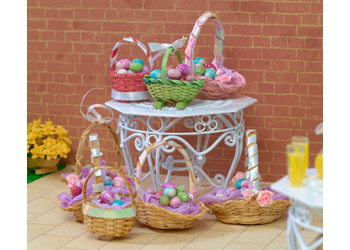 http://www.dollshouse.com/dhe/content/how-to-make-easter-basket.aspx?stage=1