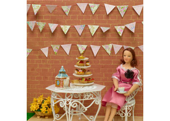 http://www.dollshouse.com/dhe/content/how-to-make-easter-bunting.aspx?stage=1