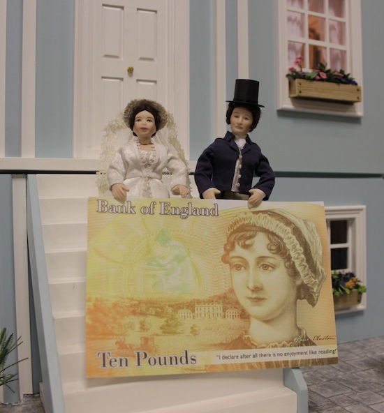 Pride and Prejudice dolls celebrate the Jane Austen £10 note!