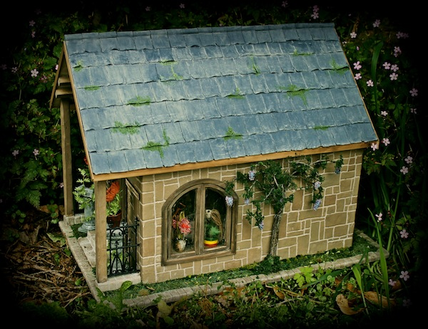 Beastly Botanicals miniature dolls house winner