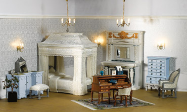 The Queen's Dolls' House Collection is a stunningly well detailed, high-quality collection of miniatures.