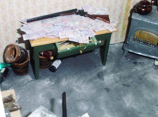 Great Train Robbery dollhouse