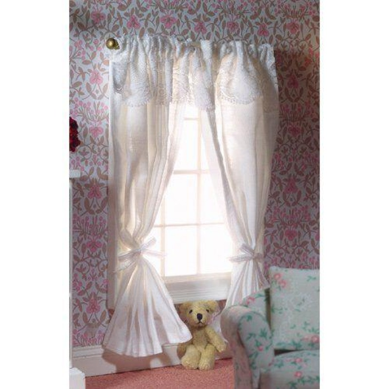Two Pairs White Curtains on a Rail 175 x 125mm