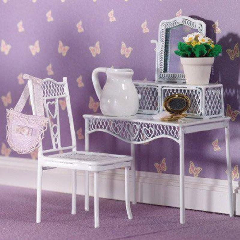 Pretty Hearts Chair