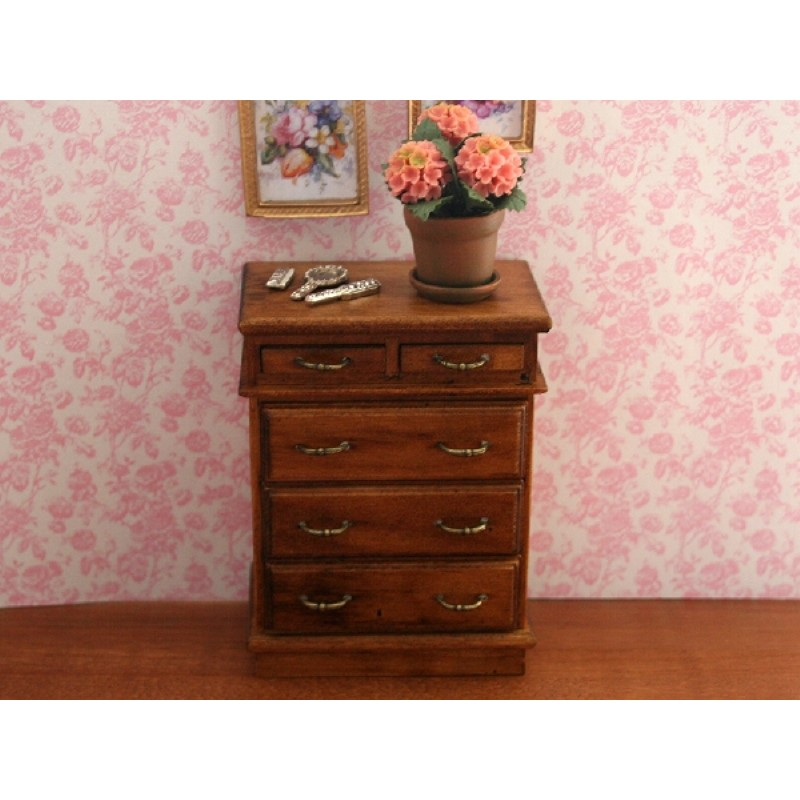Chest of Drawers in Walnut